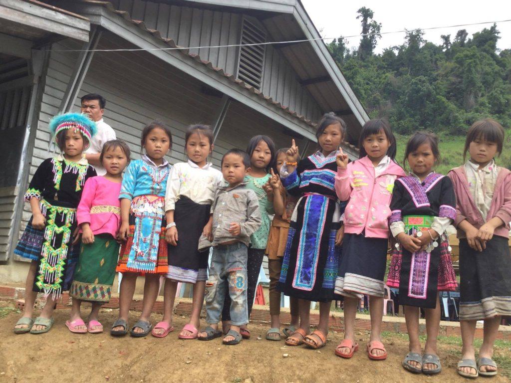 モン族の人々